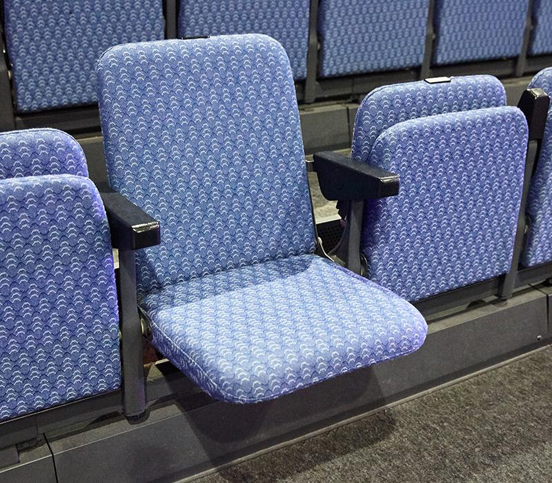 シート:アリーナ1階指定席